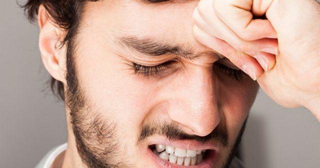 Tek Taraflı Zonklayıcı Baş Ağrısı Başın Tek Taraflı Ağrıması