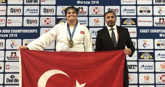 Ümitler Avrupa Şampiyonası'nda Hilal Öztürk'ten bronz madalya