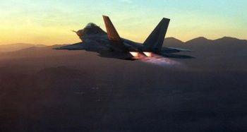 ABD, Katar'a F-22 Raptor uçağı konuşlandırdı