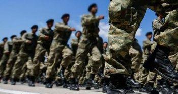 AK Parti grubu, yeni askerlik sistemi için toplanacak
