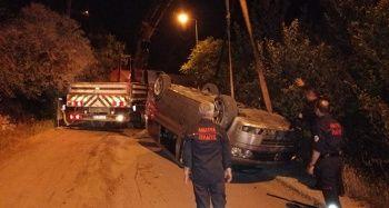 Düğünden dönen minibüs kaza yapı: 3 yaralı