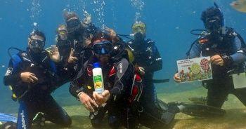Fethiye'de dalgıçlar deniz dibinde bayramlaştı