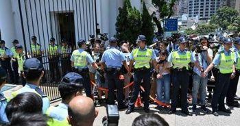 Hong Kong'da hükümet geri adım attı