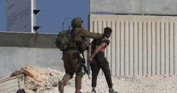 İsrail Gazze sınırında 4 Filistinliyi gözaltına aldı