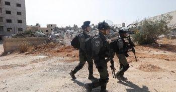 İsrail güçleri Batı Şeria'da biri gazeteci 10 Filistinliyi yaraladı