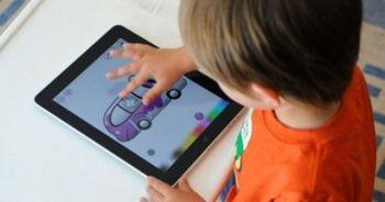 Uzmanlar uyarıyor! Çocuklar günde yarım saat tablet kullanmalı
