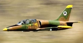 Vietnam'da askeri eğitim uçağı düştü