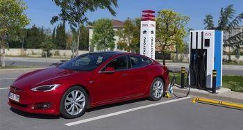 ZES yeni elektrikli şarj istasyonlarıyla Ege ve Akdeniz kıyılarına iniyor