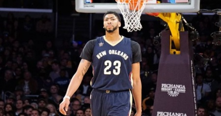 Anthony Davis Lakers'a gidiyor