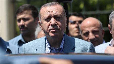 Cumhurbaşkanı Erdoğan'dan vefat eden Mursi hakkında ilk açıklama