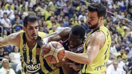 Fenerbahçe Beko final serisini son maça taşıdı