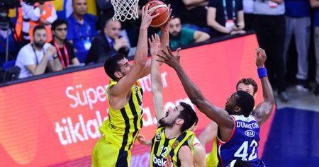 Fenerbahçe potada Anadolu Efes'i devirdi