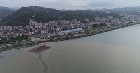 Trabzon'da deniz çamura bulandı