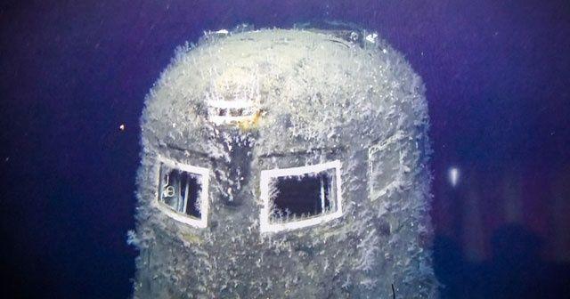 30 yıl önce batan denizaltı tehlike saçıyor