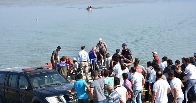 Alabora olan tekneden düşen iki kişinin cesedine ulaşıldı