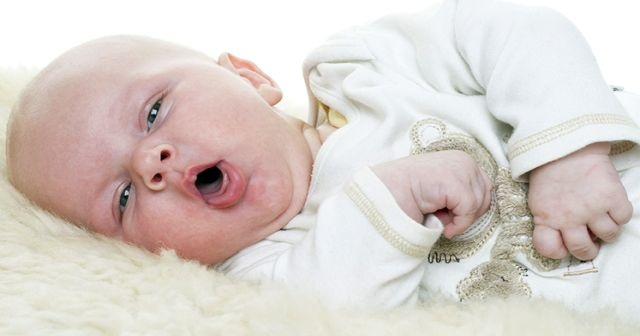 Bebeklerde bronşit nedenleri, Bebeklerde bronşit belirtileri