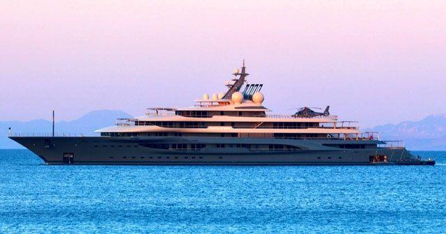 Dünyanın en zengini, cennet koyları helikopterle gezdi
