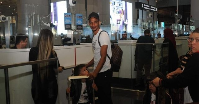Galatasaraylı yıldız futbolcu Türkiye'den ayrıldı