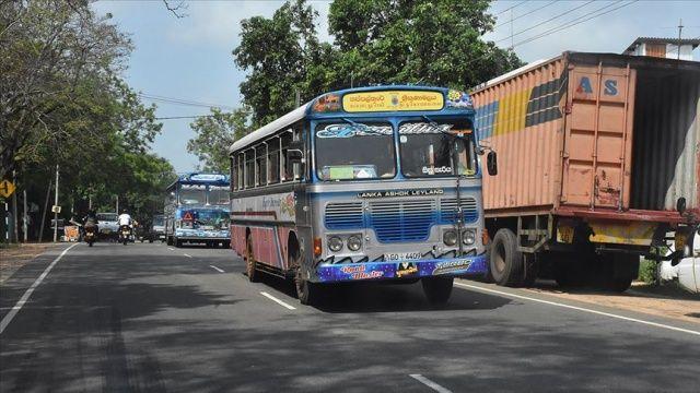 Hindistan'da otobüs kanala düştü: Çok sayıda ölü ve yaralı var