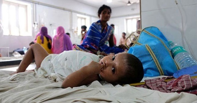 Hindistan salgınla boğuşuyor: 177 ölü