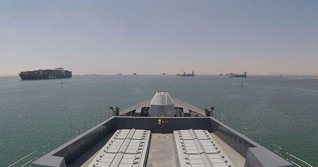 İngiltere'nin yeni savaş gemisi Hürmüz Körfezi'ne ulaştı