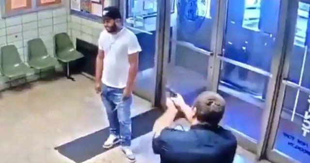 Polis merkezine girip vurulmayı istedi ile ilgili görsel sonucu