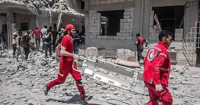 Rus ve rejim uçakları İdlib'i vurdu