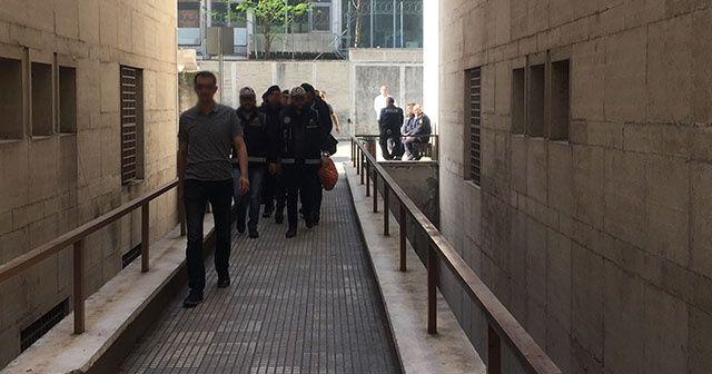 Silah kaçakçılığından yargılanan polislere tahliye