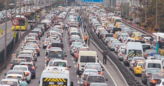 Trafikte kalmak İstanbulluya pahalıya patlıyor