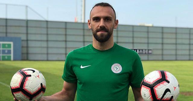 Vedat Muriç, Çaykur Rizespor'da kaldığını açıkladı