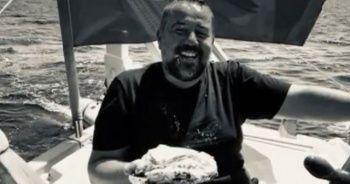 Ata Demirer yeni yaşını adada kutladı