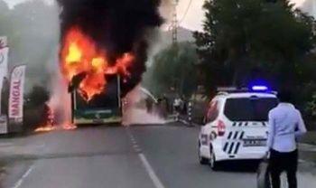 Beykoz'da belediye otobüsü yandı