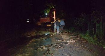 Düzce'nin Cumayeri ilçesinde sel, heyelana neden oldu