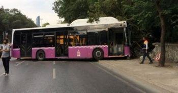 İstanbul'da yolcu otobüsü duvara çarptı