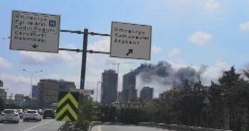 İstanbul Ümraniye'de yangın!