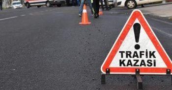 Otomobil bariyere çarptı: 2'si çocuk 4 yaralı