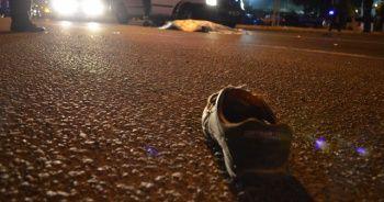 Otomobil kağıt toplayıcısına çarptı: 1 ölü