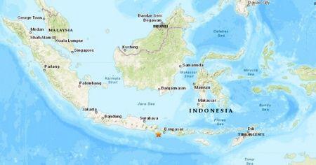 Endonezya'da 5.7 büyüklüğünde deprem