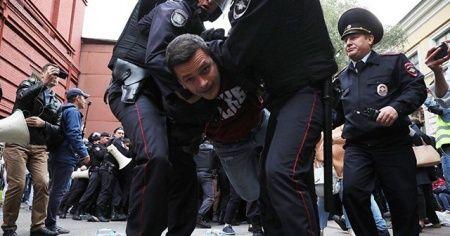 Rusya'da yerel seçimler öncesi protesto