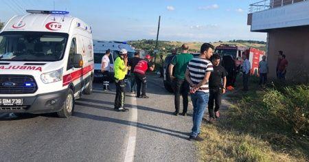 Sakarya'da otomobil takla attı: 3 yaralı