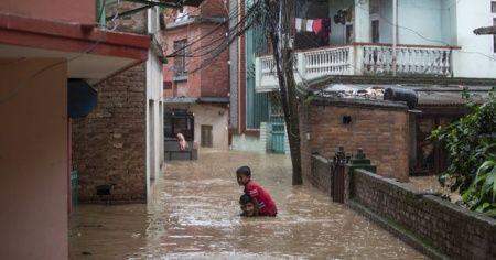 Sel felaketinde ölü sayısı 300'ü aştı