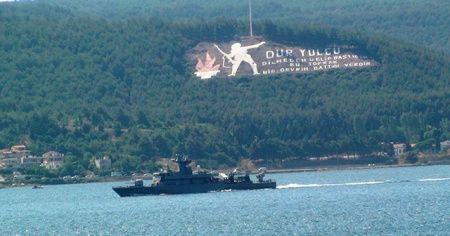 Yunan savaş gemisi füzeler açık vaziyette geçti!