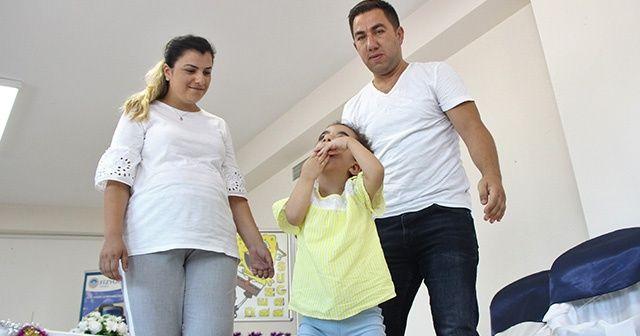 'Yürüyemez' denilen minik kız ilk adımlarını attı