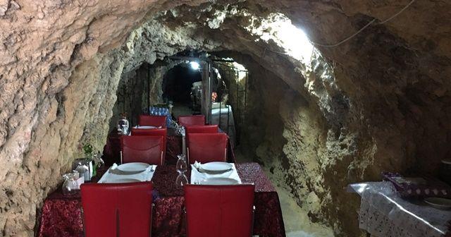 420 metrelik mağaradan lokanta, gelen donuyor