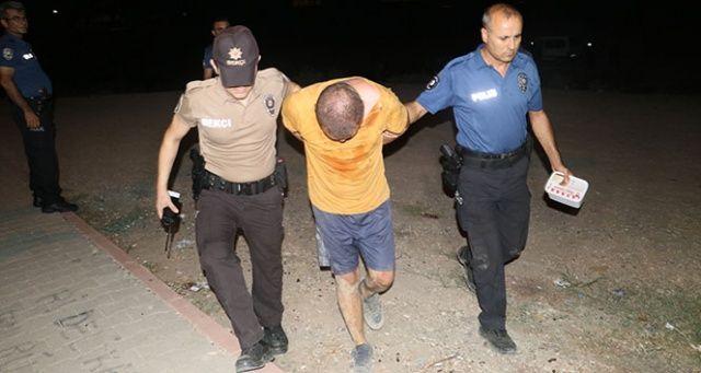 Adana'da satırlı saldırgan dehşeti, yaralılar var