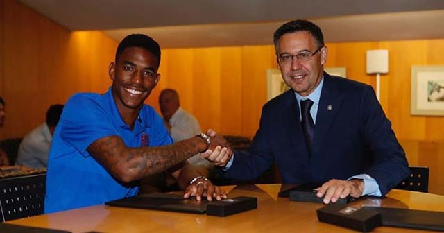 Barcelona, Junior Firpo'yu transfer etti