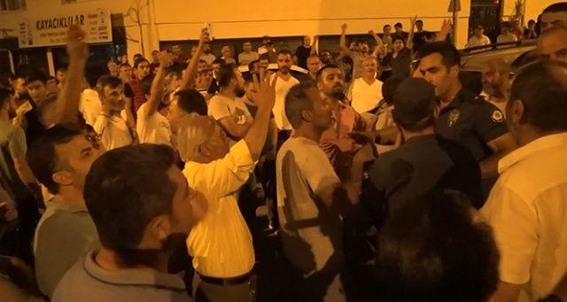 Bursa'da tehlikeli gerginlik, 250 kişilik grup taşlarla saldırdı