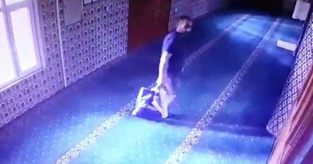 Camilere dadanan hırsız kameraya yakalandı!