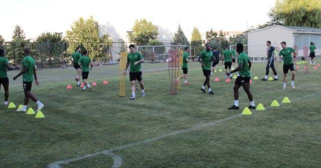 Denizlispor'un yeni sezon hazırlıklarını sürdürüyor