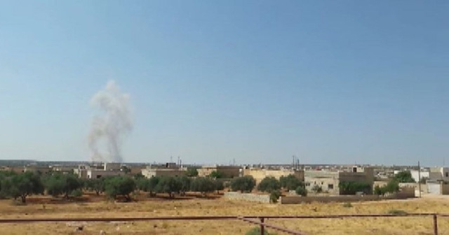 Esad rejim güçleri Han Şeyhun'a girmeye başladı